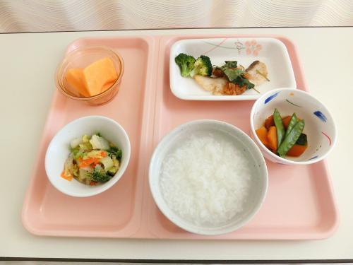 病院食の一番の目的は、健康回復のお手伝いです。