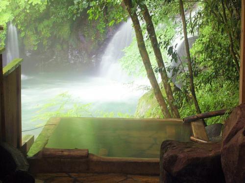 温泉は、すべて源泉かけ流しです。