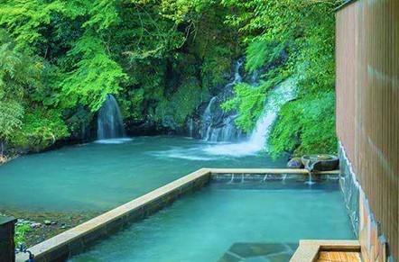 『滝見の湯』は、古くから地元の人々に愛され続けてきた温泉です。
