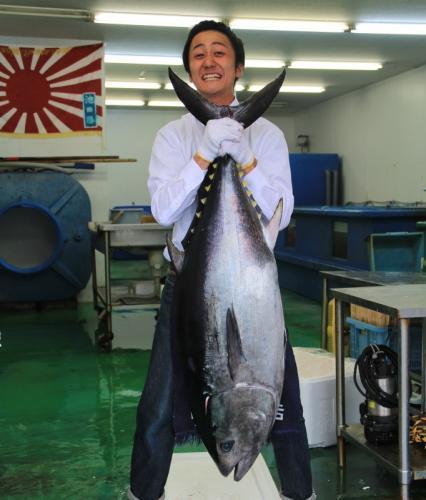 牛深から直送の新鮮な魚介をリーズナブルな価格で味わえるお店です。