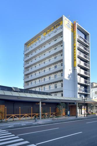 宮崎市中心のメイン通りにあります。