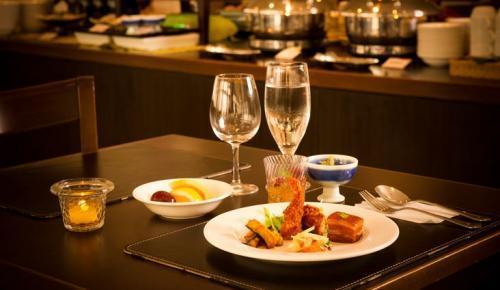 地元の食材を使った沖縄料理や和・洋色々取り揃えています☆