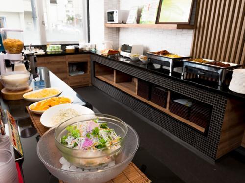 朝食はLohasライフを意識した素材、メニューを採用。